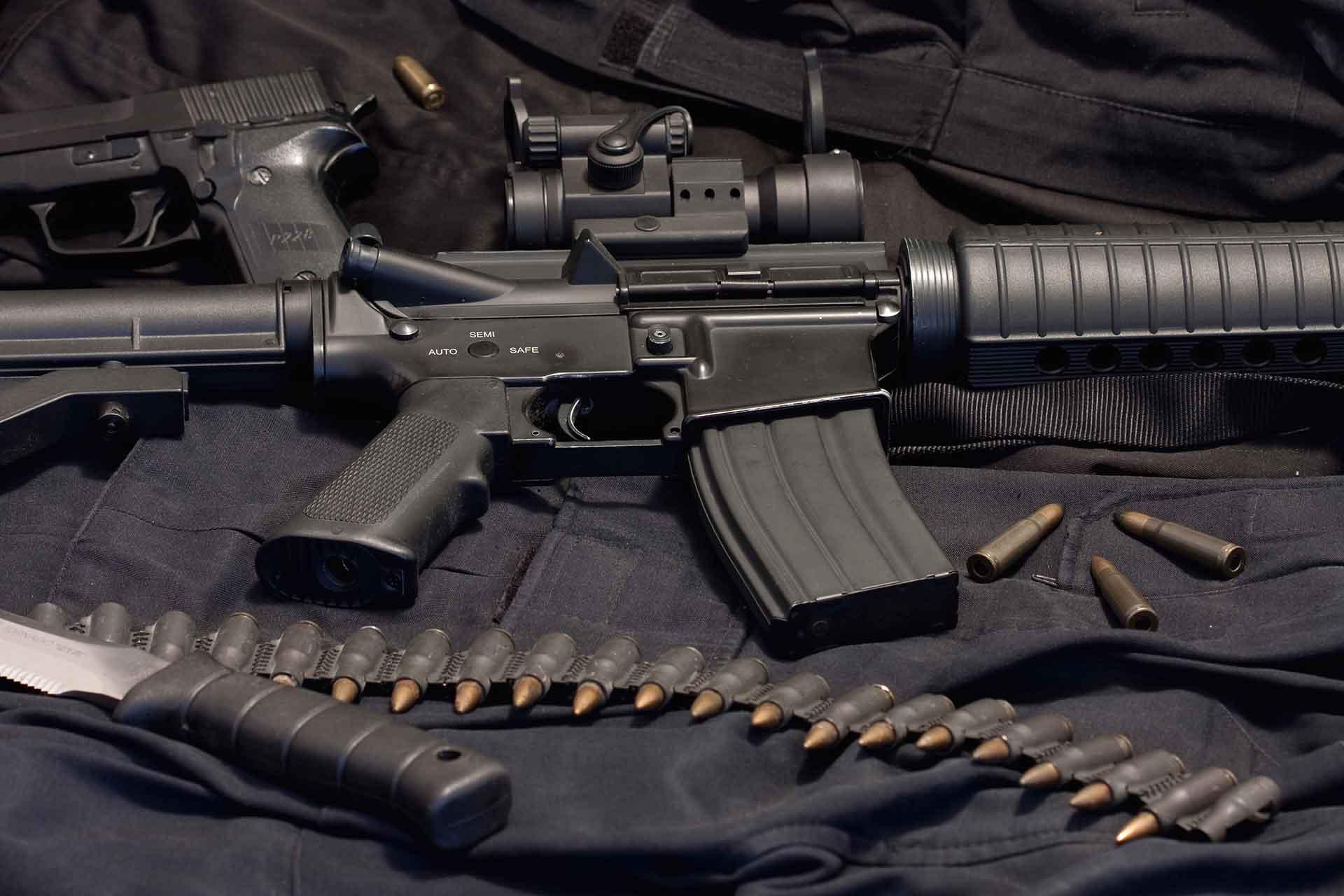 Wapens en munitie strafrecht advocaat - Weening Strafrechtadvocaten